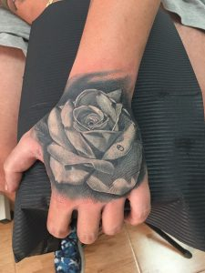 tattoo studio tenerife canary canarie spain spagna rose hand